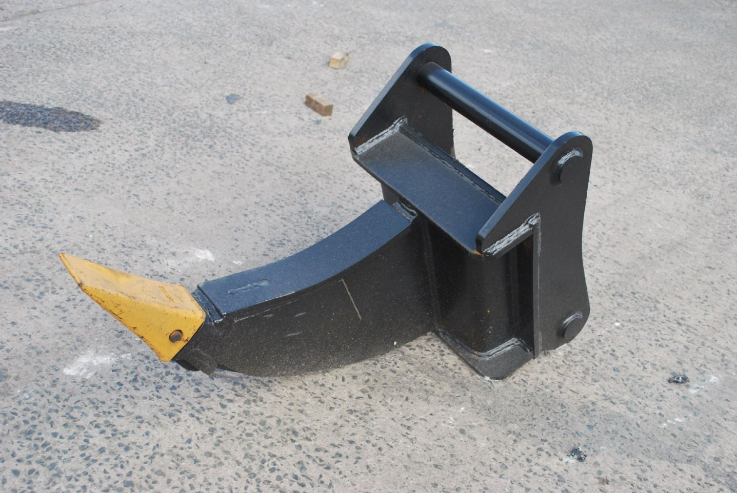 Excavator Ripper Tooth / Hook Attachment